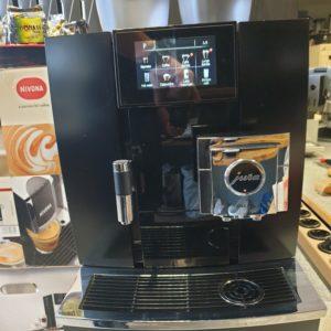 Kohvimasin JURA GIGA X8